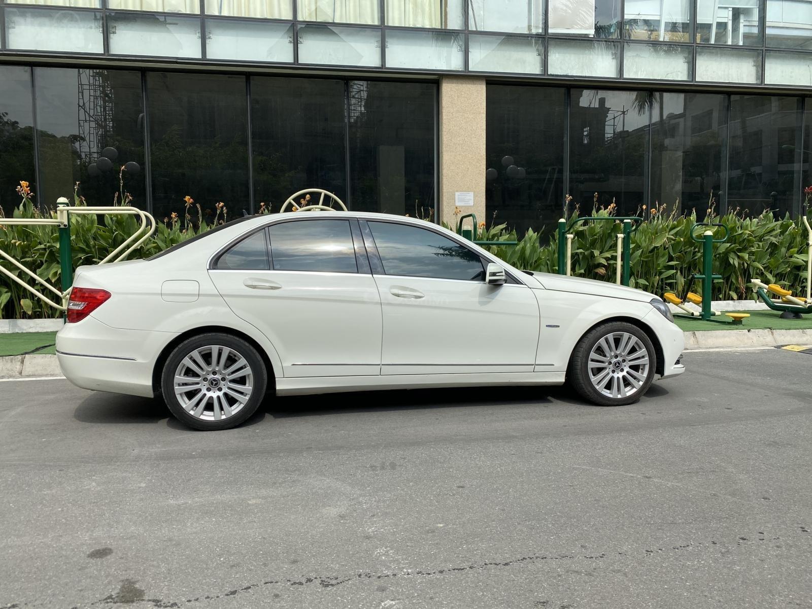 Bán Mercedes C200 sản xuất 2011, đăng kí 2012, giá cực tốt (4)