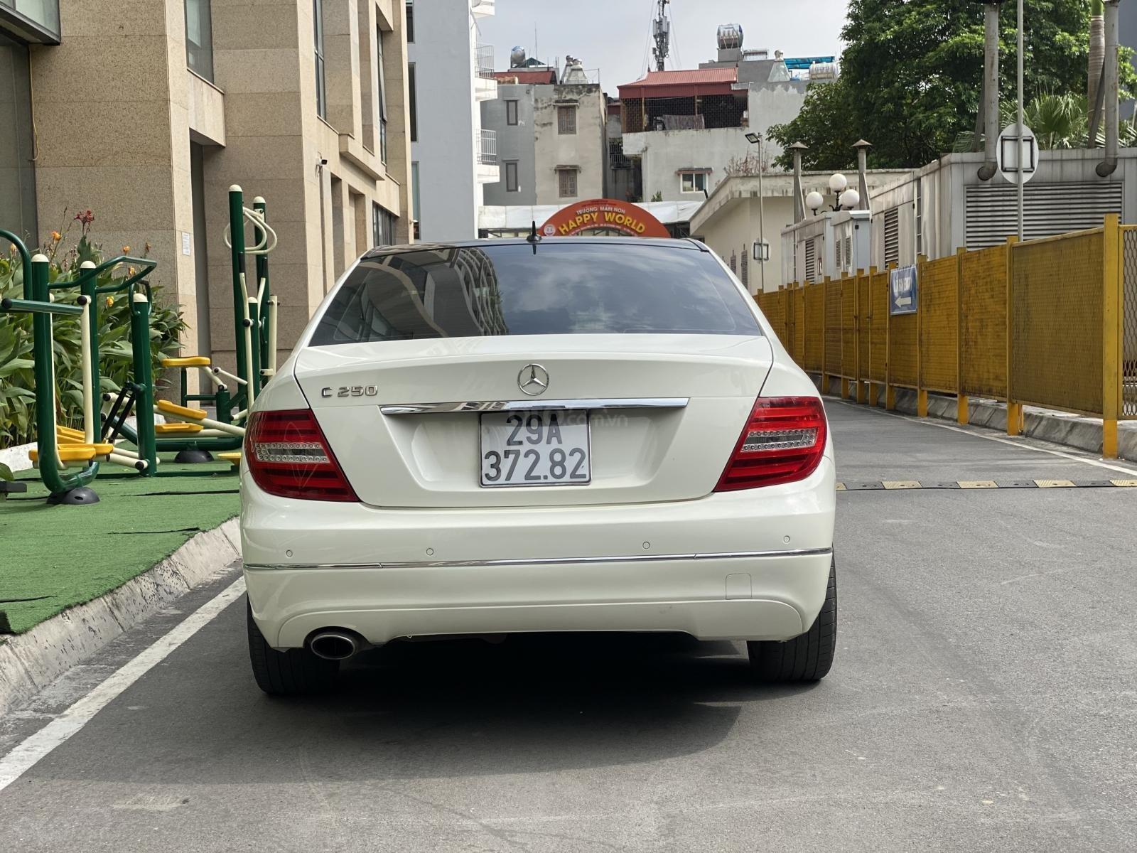 Bán Mercedes C200 sản xuất 2011, đăng kí 2012, giá cực tốt (5)