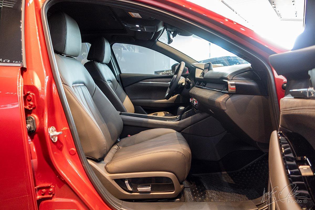Đánh giá xe Mazda 6 2020: Ghế trước chỉnh điện.