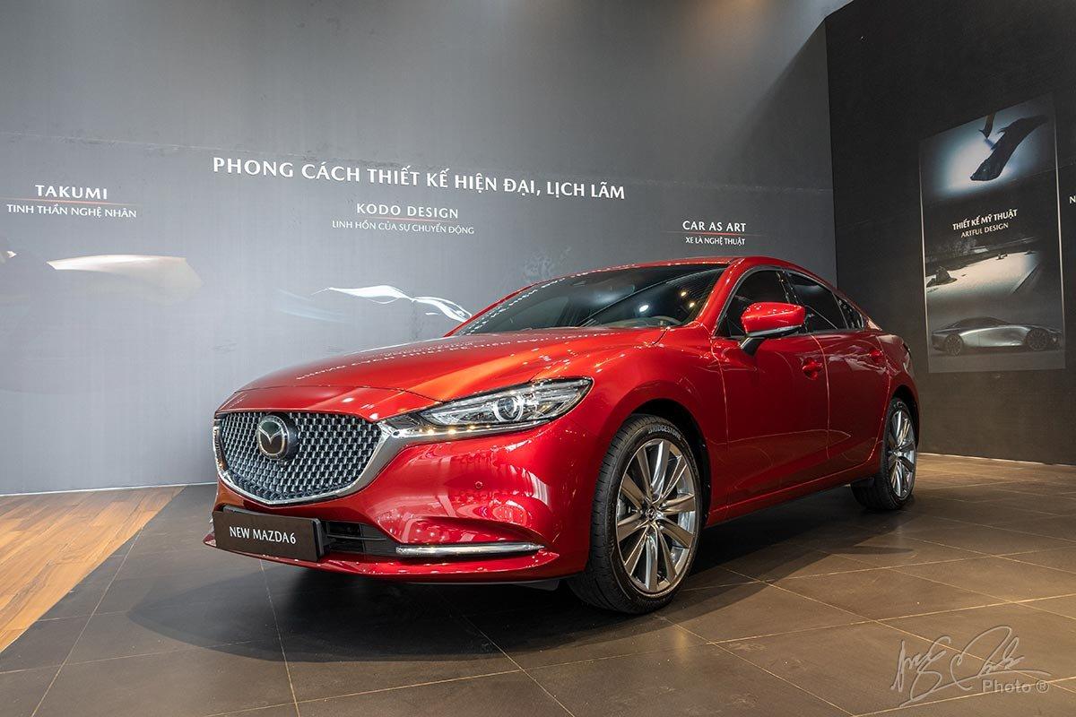 Đánh giá xe Mazda 6 2020: Chiếc xe vẫn mang phong cách trẻ trung nhưng đã có thêm nhiều điểm nhấn sang trọng.