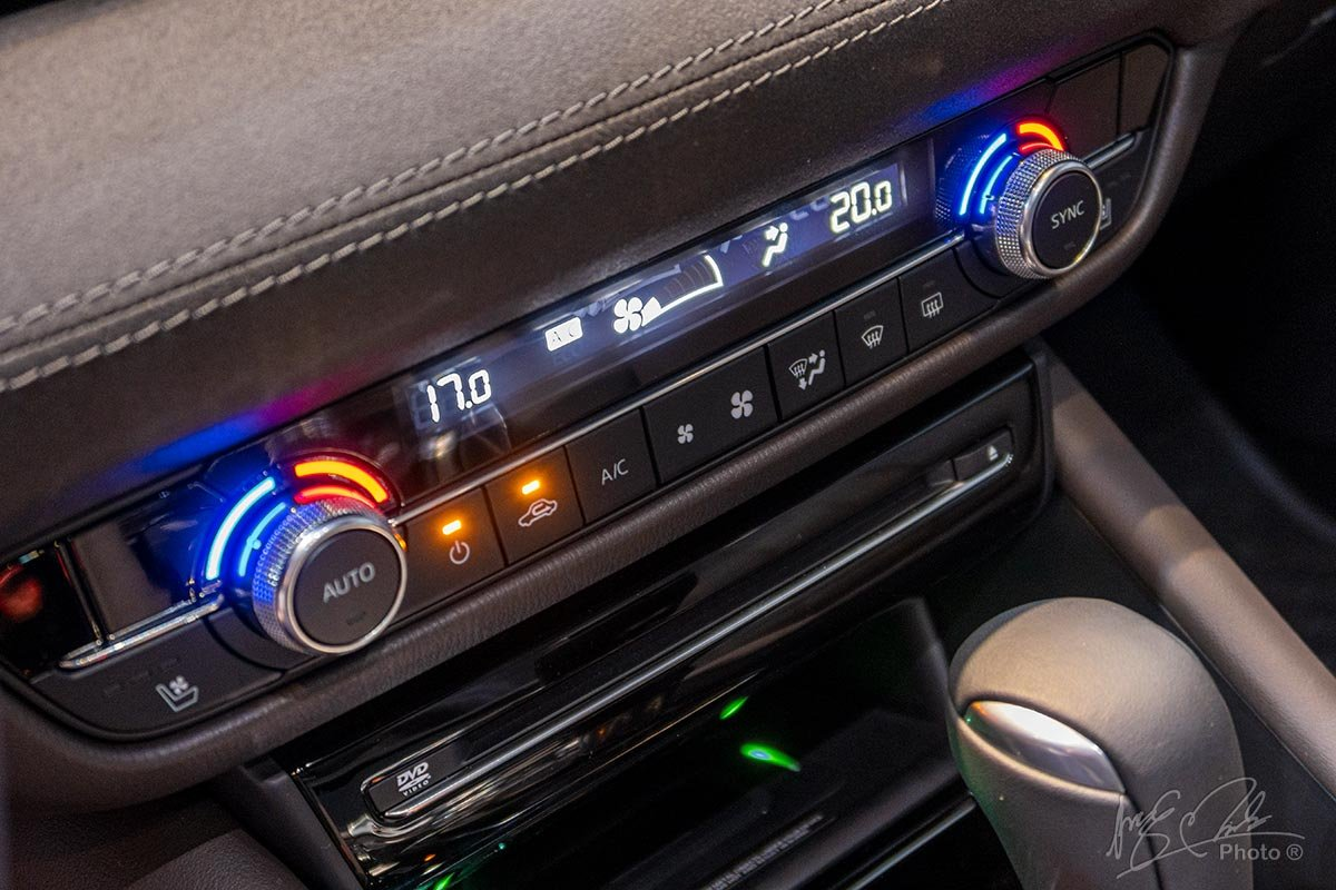 Đánh giá xe Mazda 6 2020: Điều hoà tự động 2 vùng độc lập.