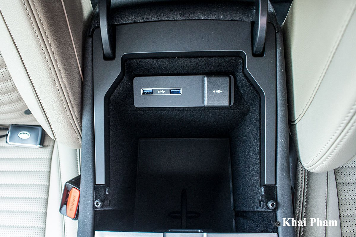 Ảnh Hộp đồ xe Land Rover Discovery Sport 2020