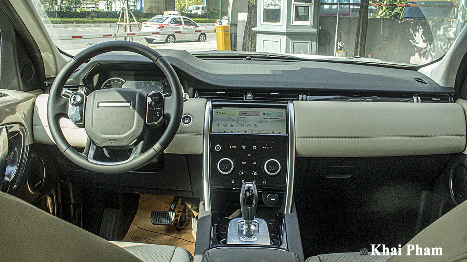 Ảnh Khoang lái xe Land Rover Discovery Sport 2020