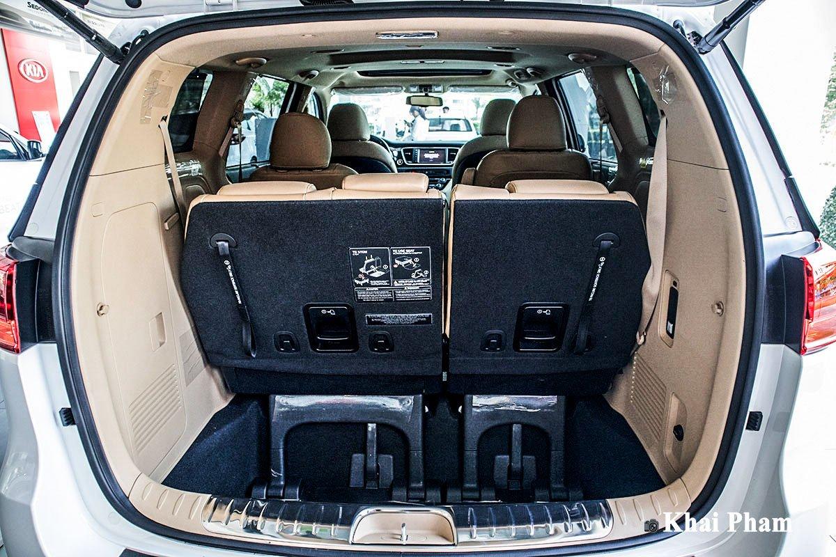 Ảnh Khoang hành lý xe Kia Sedona 2020