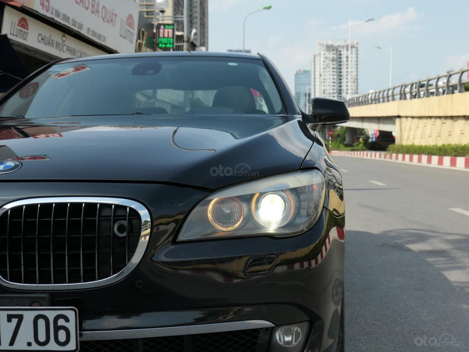 Cần bán BMW 7 Series 2010, màu đen, nhập khẩu, 880 triệu (1)