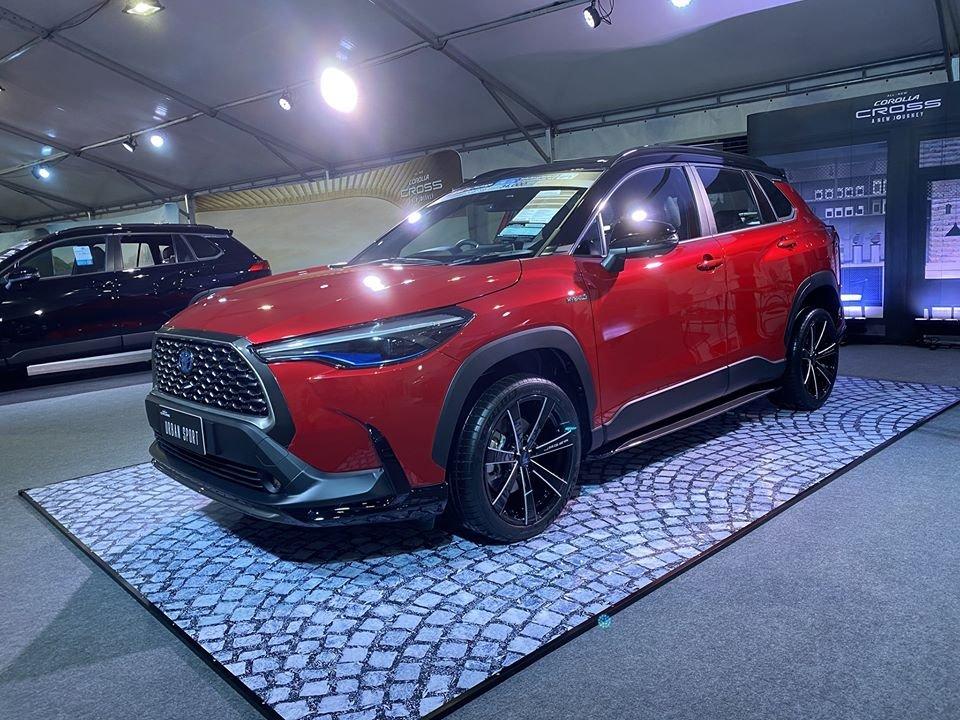 Toyota Corolla Cross 2021 chào giá 733 triệu siêu hấp dẫn.