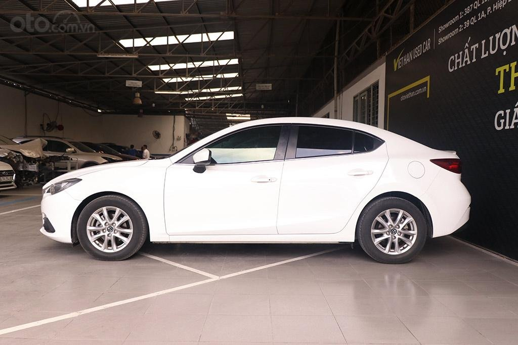Mazda 3 1.5AT 2016, xe màu trắng đẹp như mới (5)
