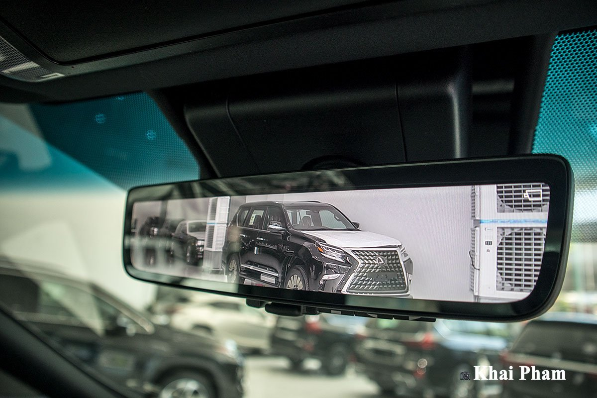 Ảnh gương kèm camera xe Lexus LM300h 2020 bên phải