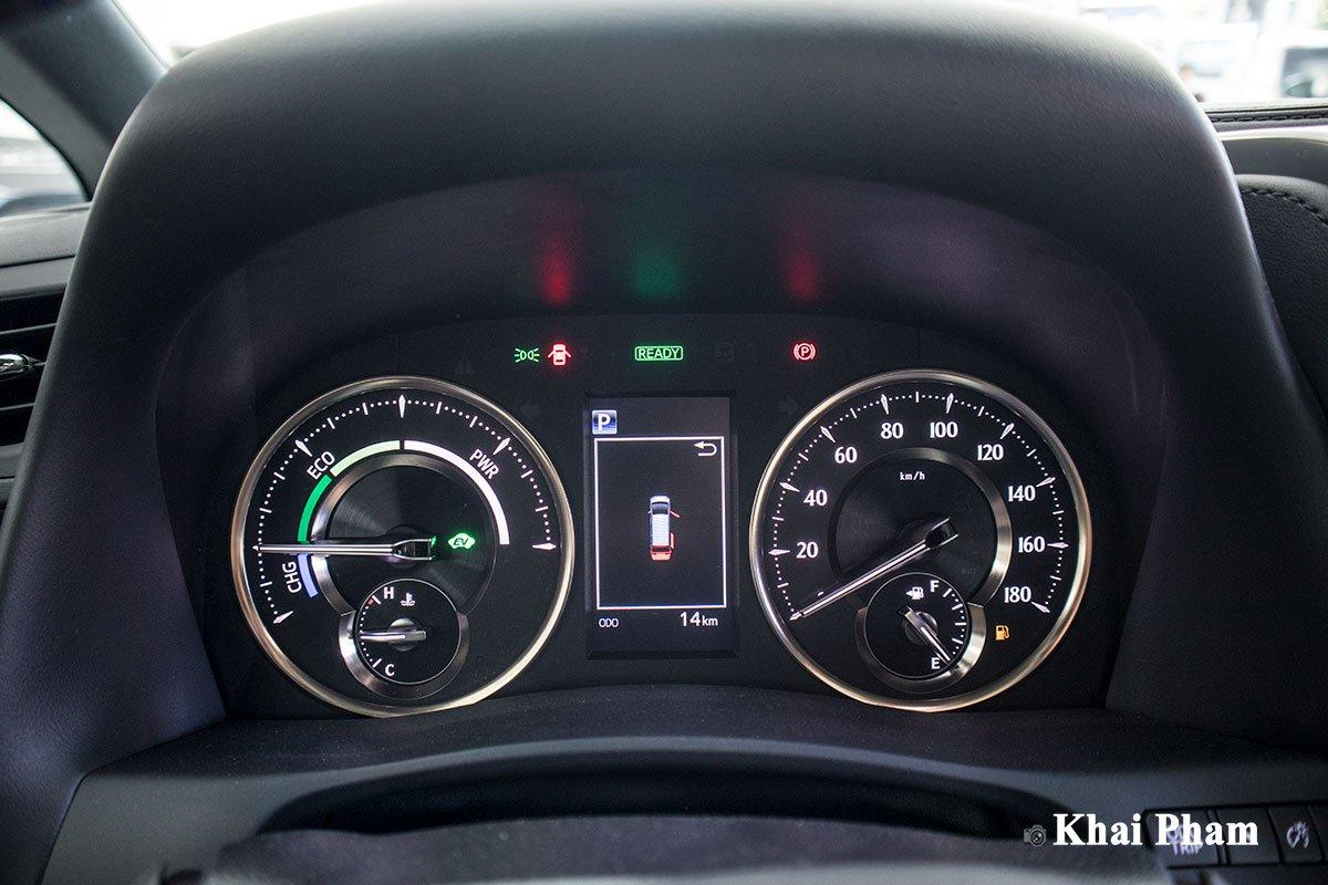 Ảnh đồng hồ xe Lexus LM300h 2020 bên phải