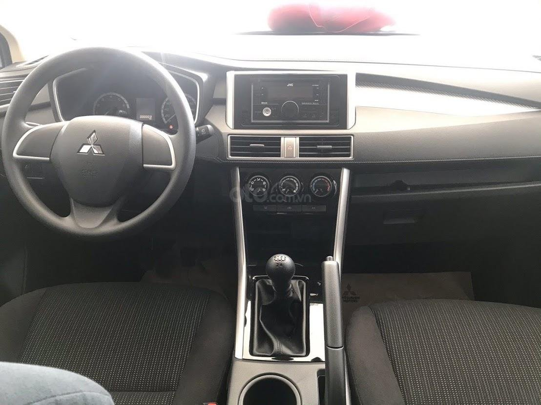 Mitsubishi Xpander MT 2020 - KM 50% trước bạ=>trả trước 180tr nhận xe ngay - giá tốt nhất SG (4)