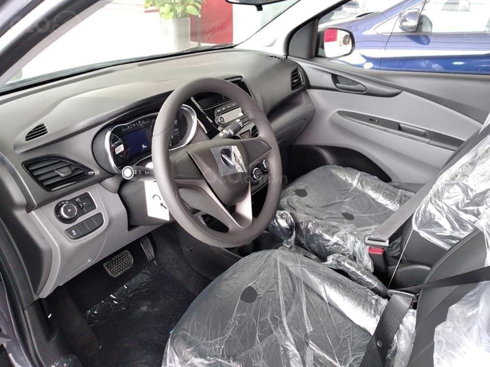 Chỉ 65tr mua xe Vinfast Fadil - vay 0% lãi suất - giảm 50% trước bạ - bảo hành 5 năm - đủ màu giao xe ngay tận nhà (11)