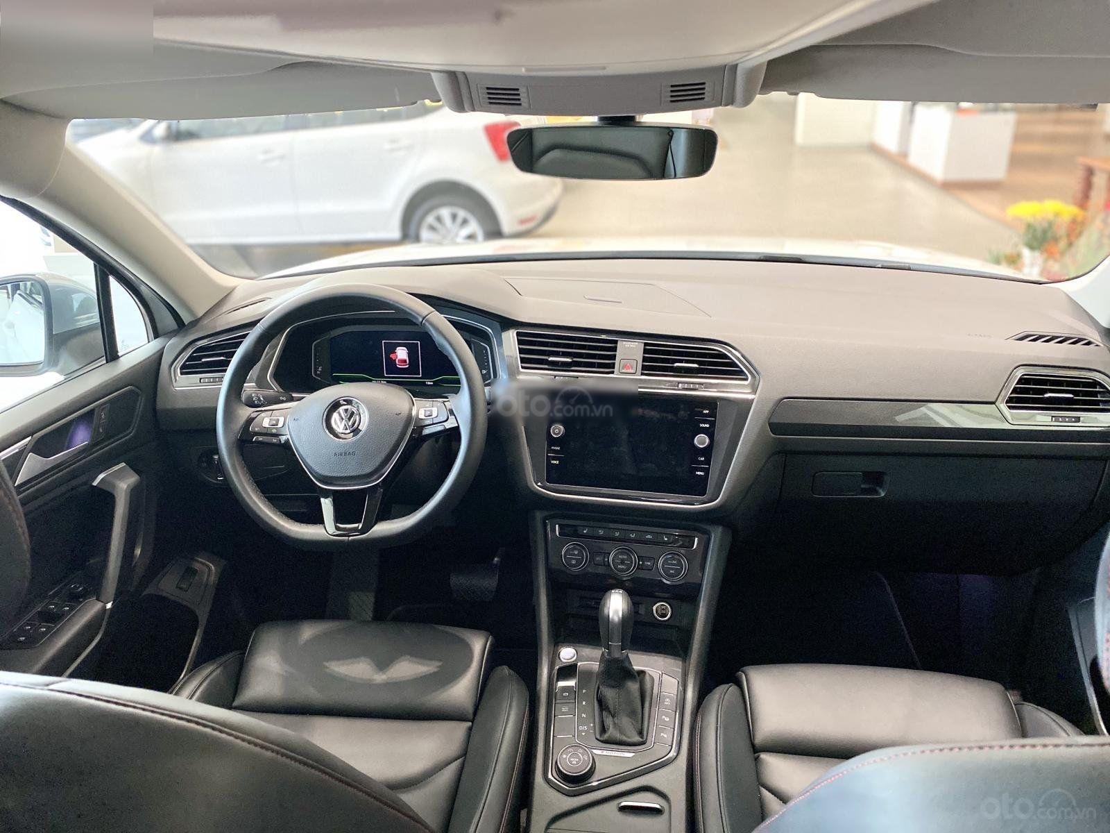 Khuyến mãi 120 triệu cho dòng VW Tiguan Luxury 2020 - Lái thử xe tận nhà - Giá chỉ còn: 1,679 tỷ + phụ kiện (5)