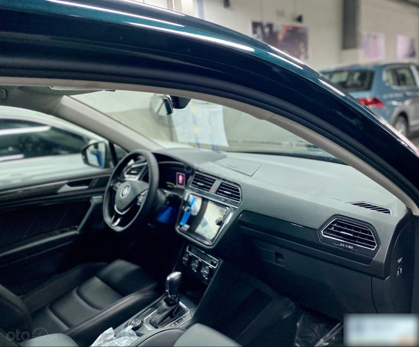 Khuyến mãi 120 triệu cho dòng VW Tiguan Luxury 2020 - Lái thử xe tận nhà - Giá chỉ còn: 1,679 tỷ + phụ kiện (6)