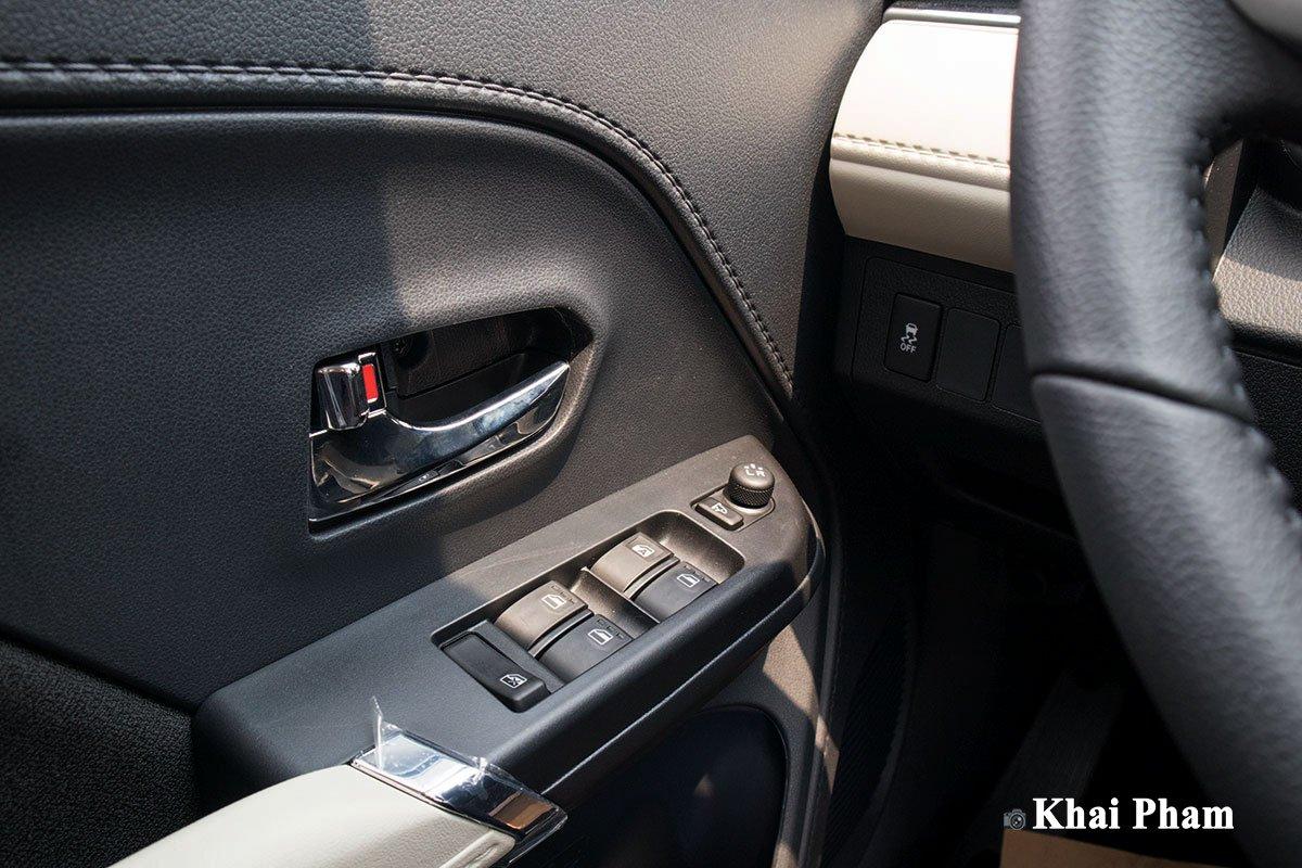 Ảnh Táp-li cửa xe Toyota Rush 2020