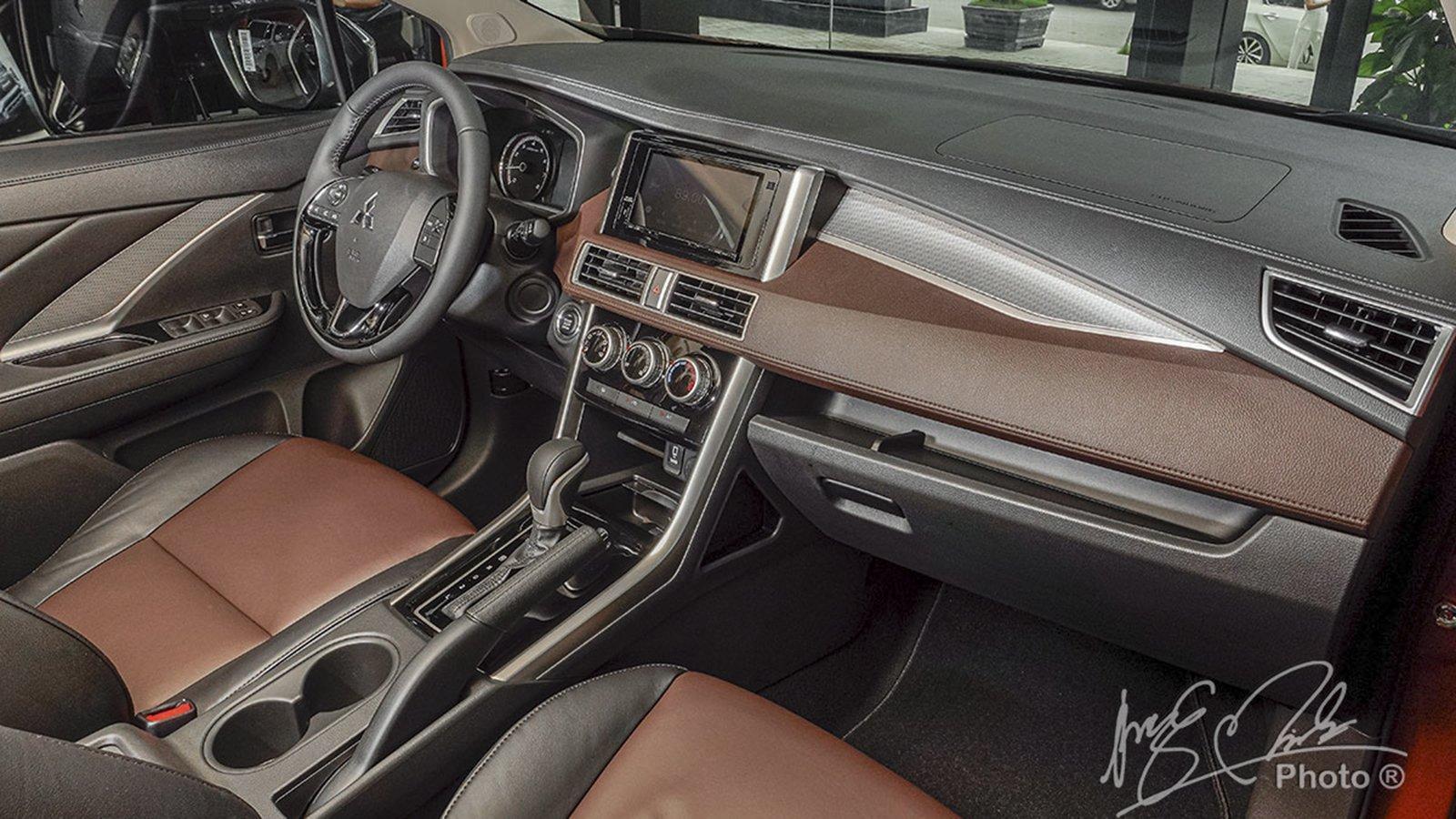 Ảnh Khoang lái xe Mitsubishi Xpander Cross 2020
