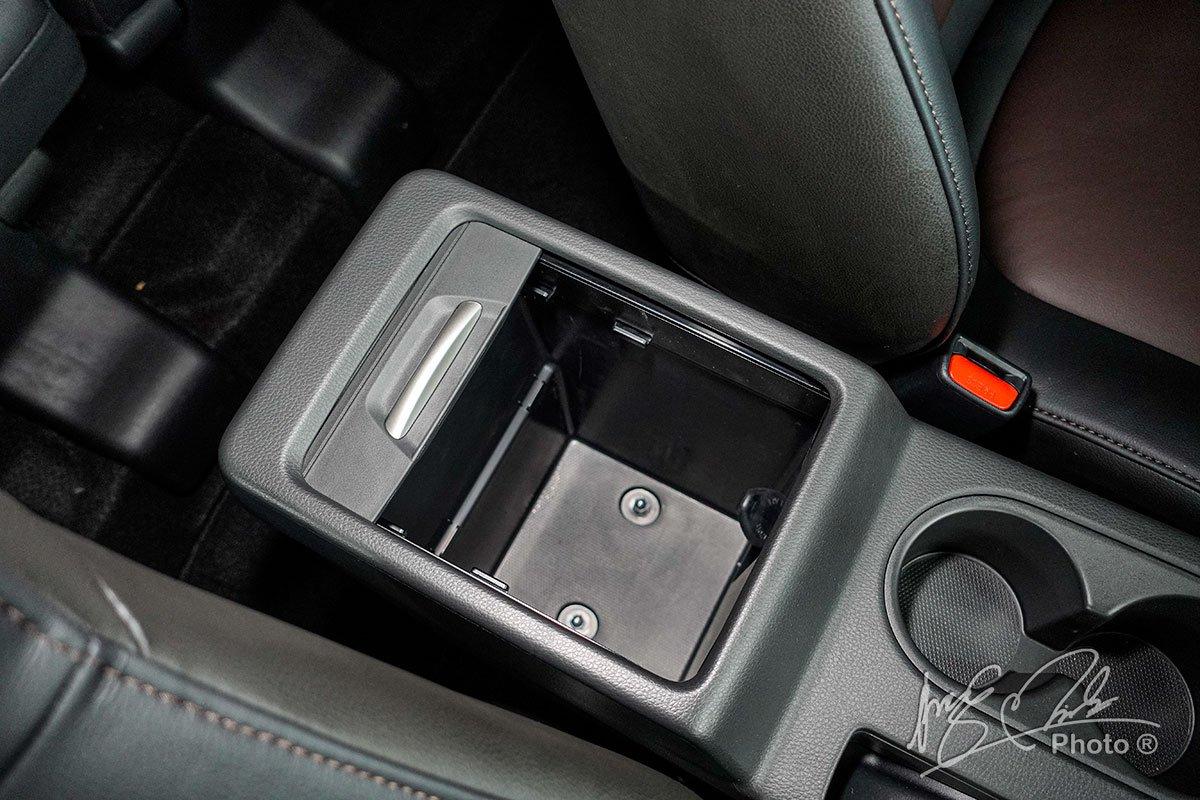 Ảnh Hộp đồ xe Mitsubishi Xpander Cross 2020