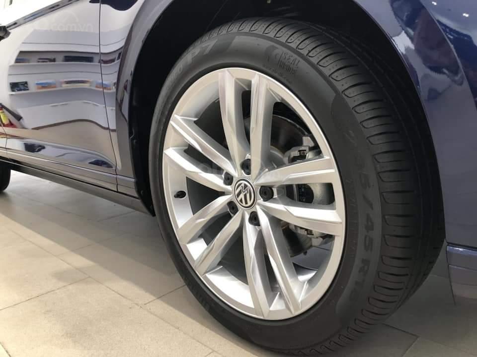 Giá sau giảm: 1.480.000.000 đ - thanh lý lô xe Passat Bluemotion High (bản cao cấp nhất) - xe Đức chuẩn mực (7)