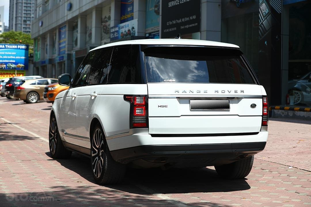 Bán LandRover HSE sản xuất 2016 màu trắng, nội thất nâu (3)