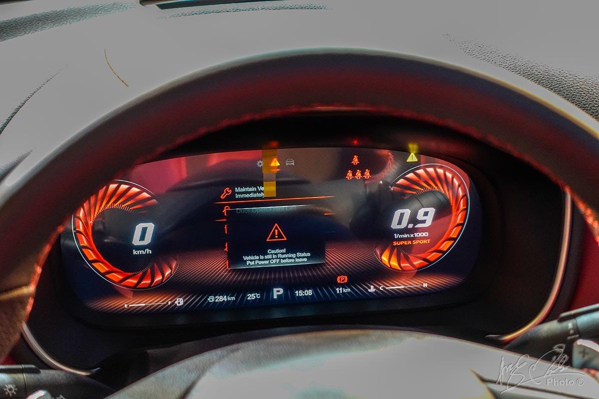 Bảng đồng hồ kỹ thuật số trên MG HS 2.0L.