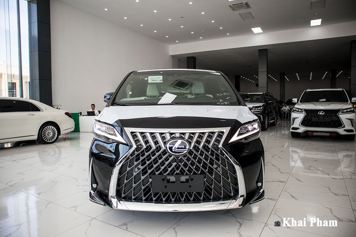 Ảnh Chính diện đầu xe Lexus LM300h 2020