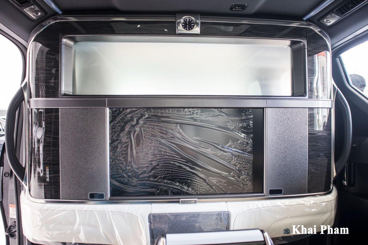 Ảnh Màn hình tivi xe Lexus LM300h 2020