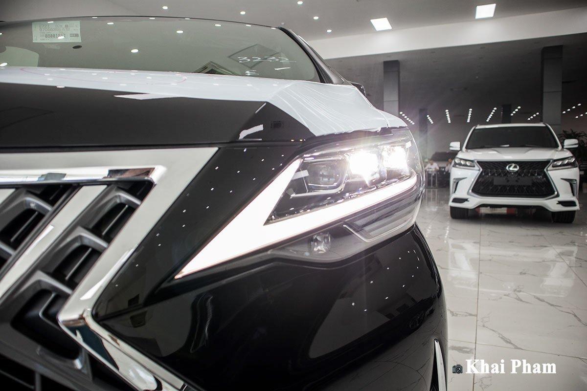 Ảnh Đèn pha phải xe Lexus LM300h 2020