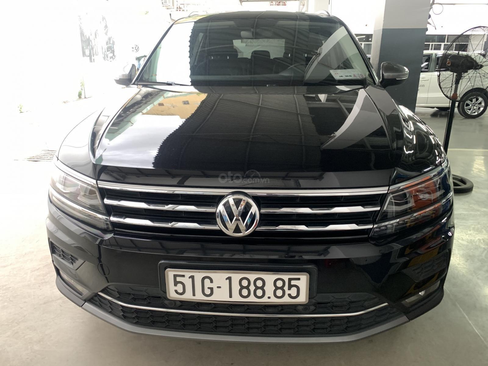 Xe công ty cần thanh lý xe Tiguan Allspace màu đen - nhiều option giá hạt dẻ, liên hệ Mr. Hùng Lâm VW Sài Gòn (6)