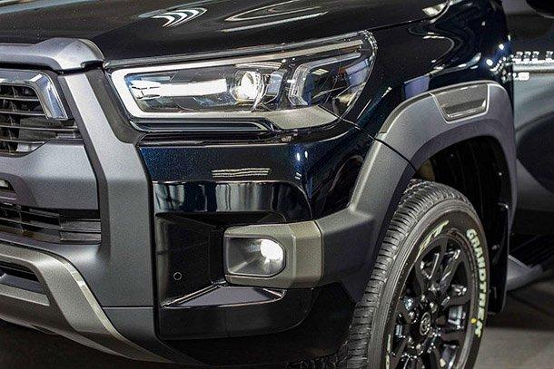Đánh giá xe Toyota Hilux 2021 về thiết kế đầu xe - Ảnh 1.