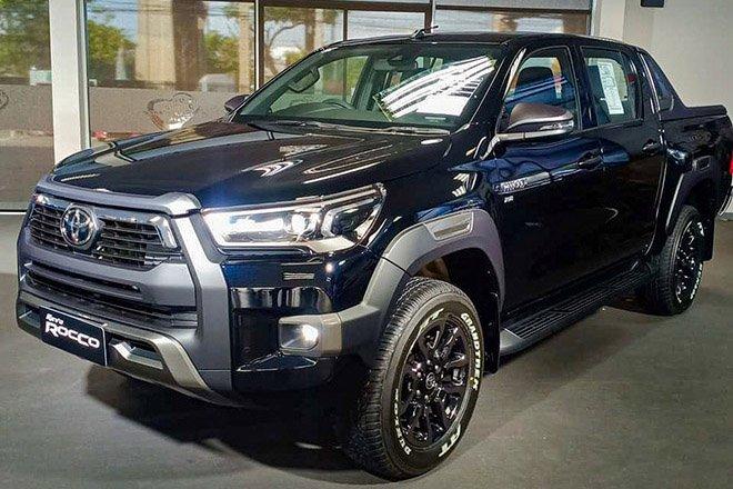 Đánh giá xe Toyota Hilux 2021.