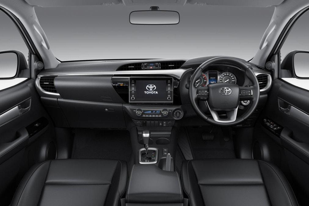 Đánh giá xe Toyota Hilux 2021 về thiết kế nội thất.