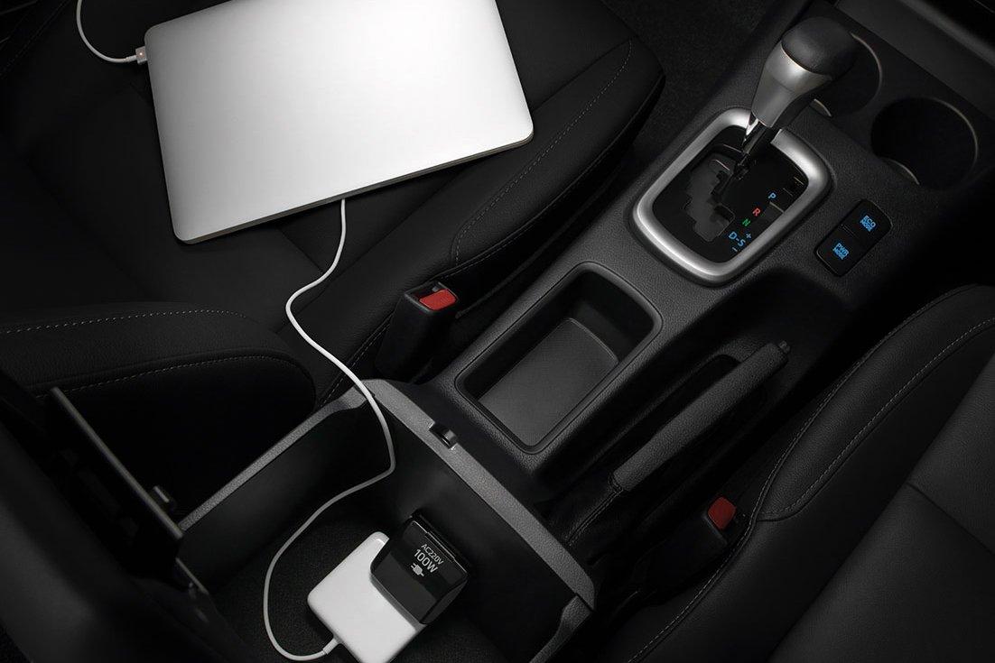 Đánh giá xe Toyota Hilux 2021 về thiết kế nội thất - Ảnh 3.