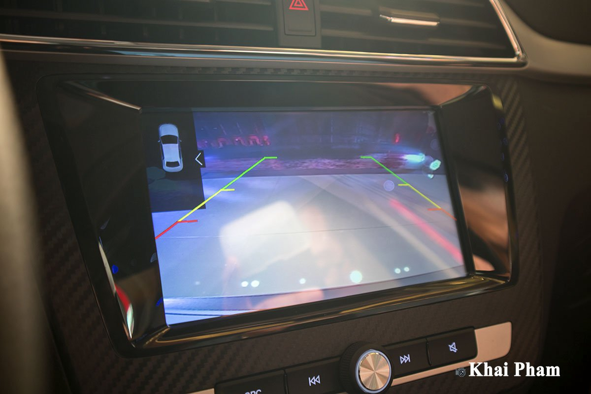 Camera lùi trên xe MG ZS 2020 1