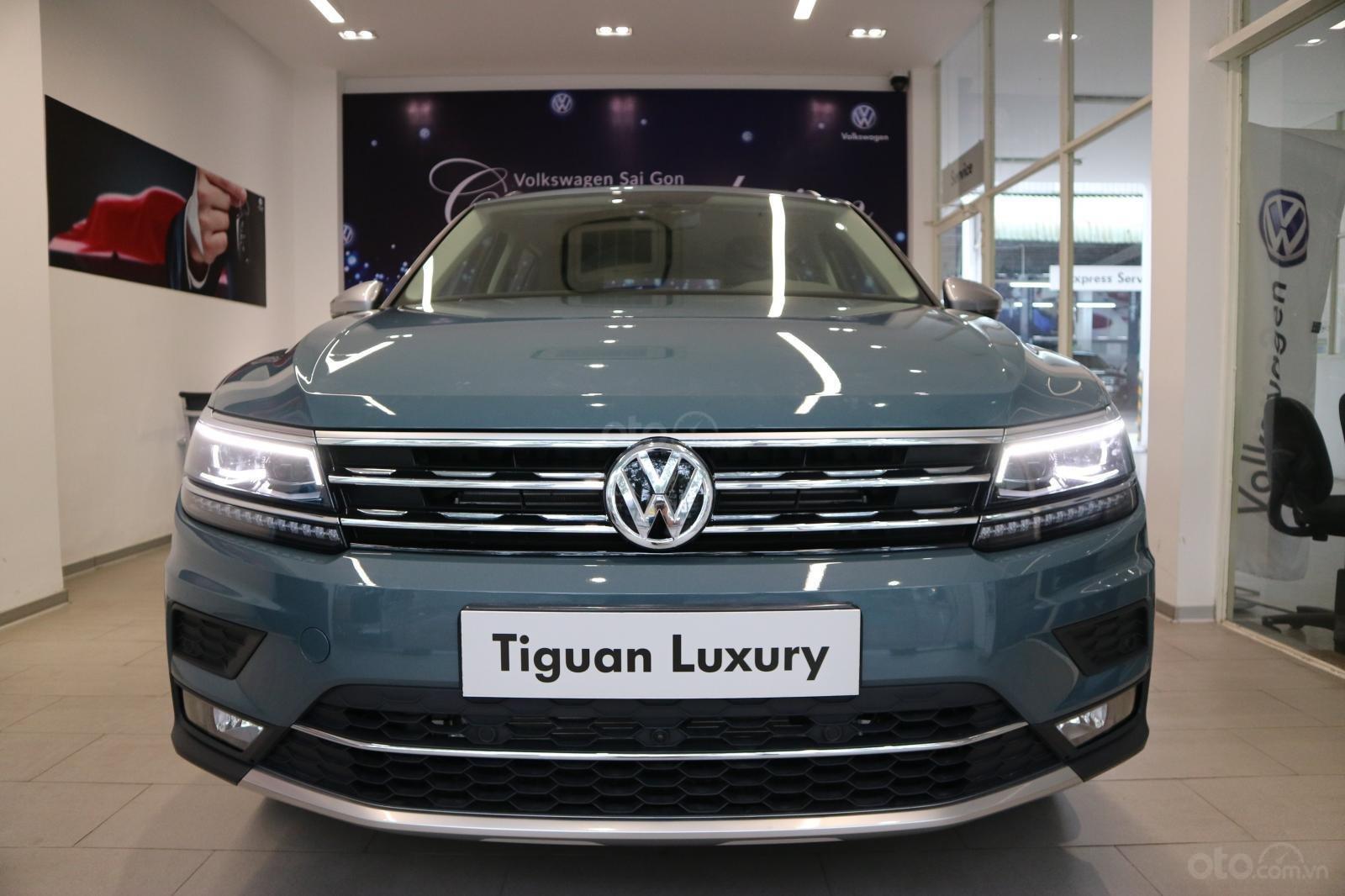 Xe SUV nhập khẩu 7 chỗ dành cho gia đình - VW Tiguan Luxury, màu xanh độc lạ - xe nhập - giảm 120tr (4)