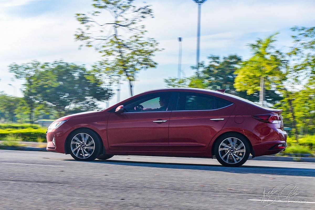 Đánh giá xe Hyundai Elantra 2020: Khả năng vận hành 1.
