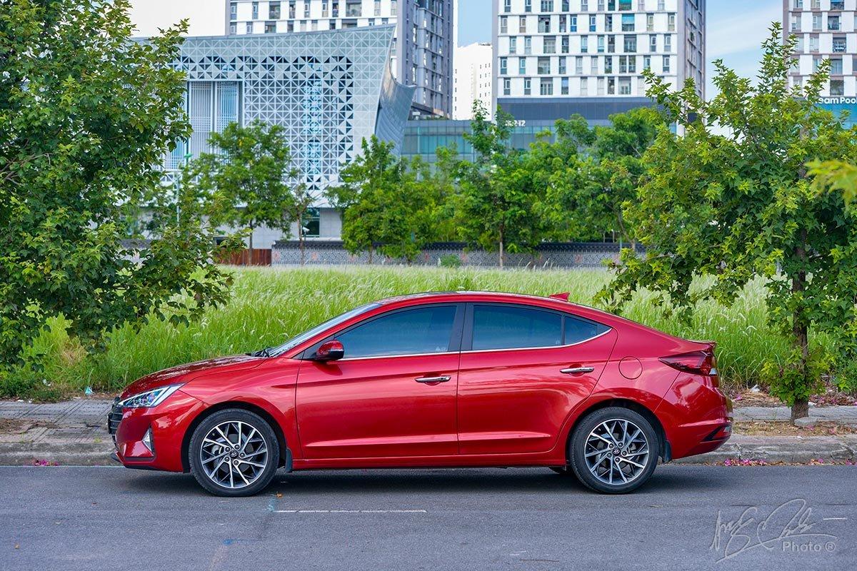 Đánh giá xe Hyundai Elantra 2020: Thân xe.