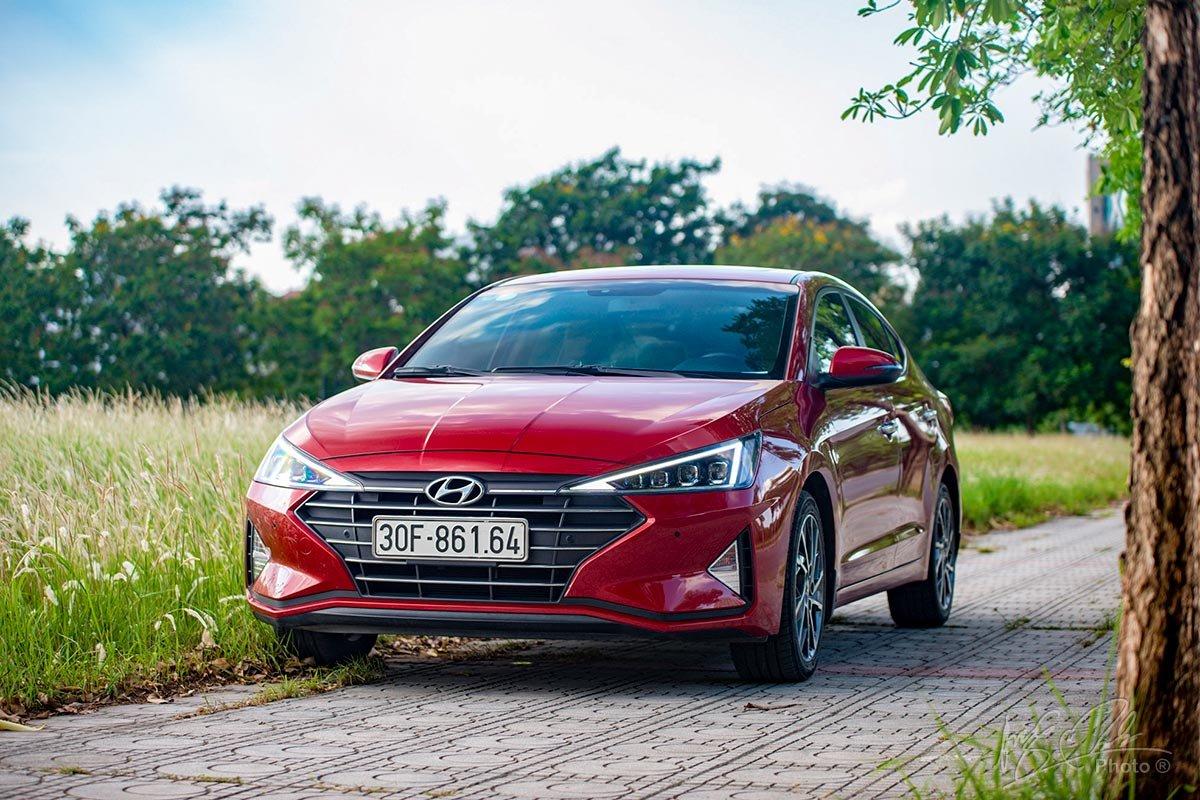 Đánh giá xe Hyundai Elantra 2020: các phiên bản và màu sắc.