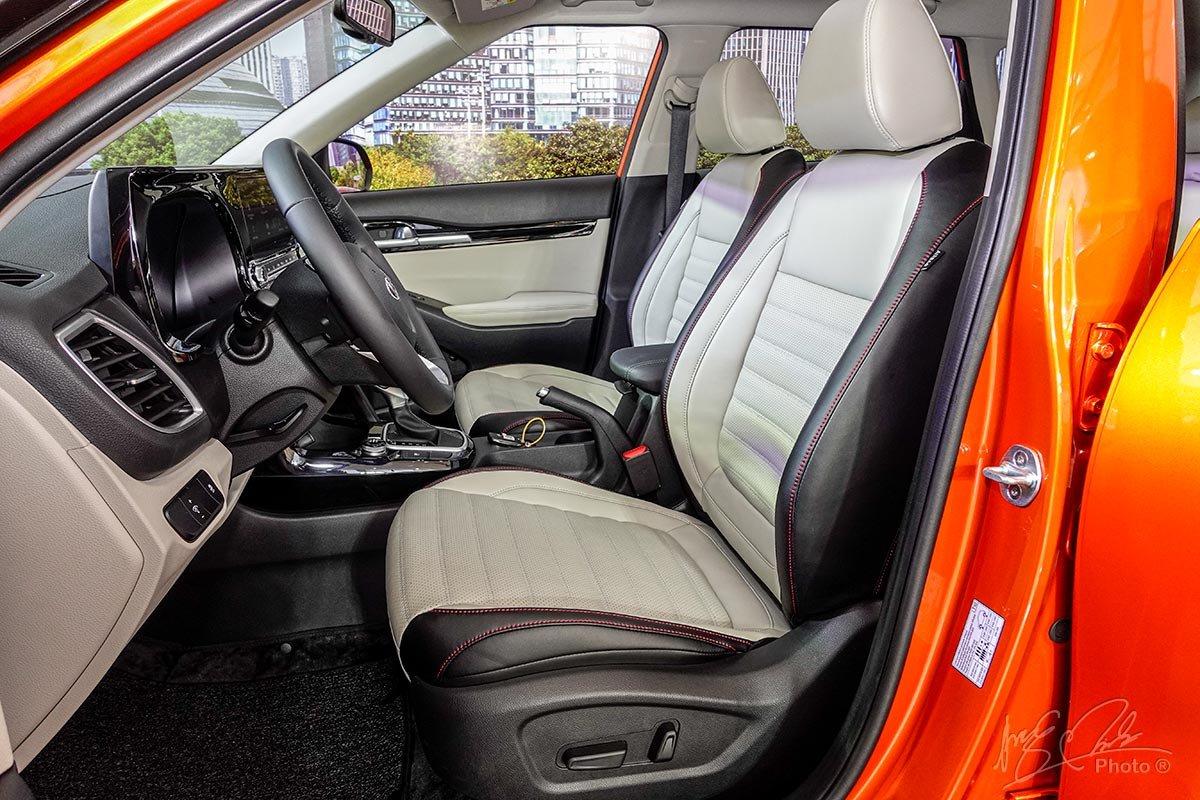 Đánh giá xeKia Seltos 2020: Ghế ngồi trên phiên bản Premium.