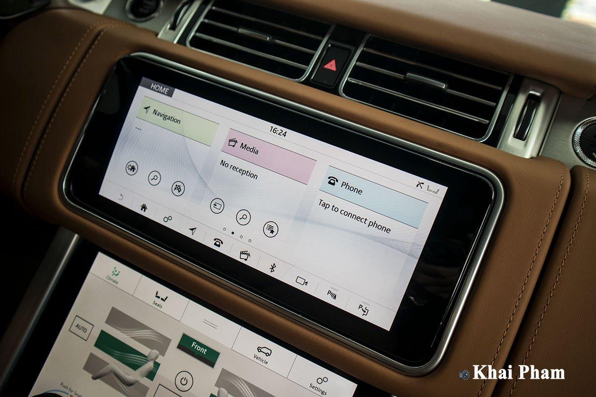 Ảnh màn hình xe Range Rover SVAutobiography 2020