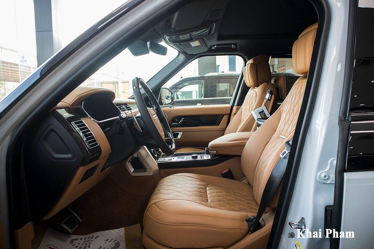 Ảnh ghế lái xe Range Rover SVAutobiography 2020