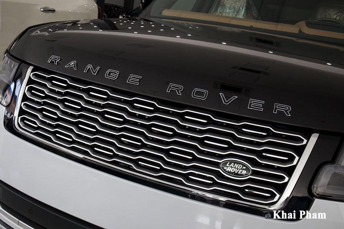 Ảnh lưới tản nhiệt xe Range Rover SVAutobiography 2020