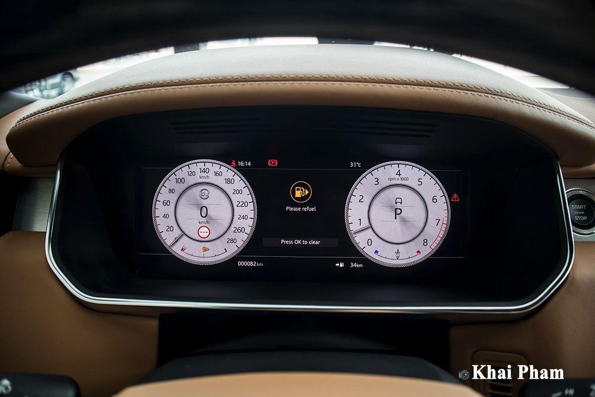 Ảnh đồng hồ xe Range Rover SVAutobiography 2020 phải