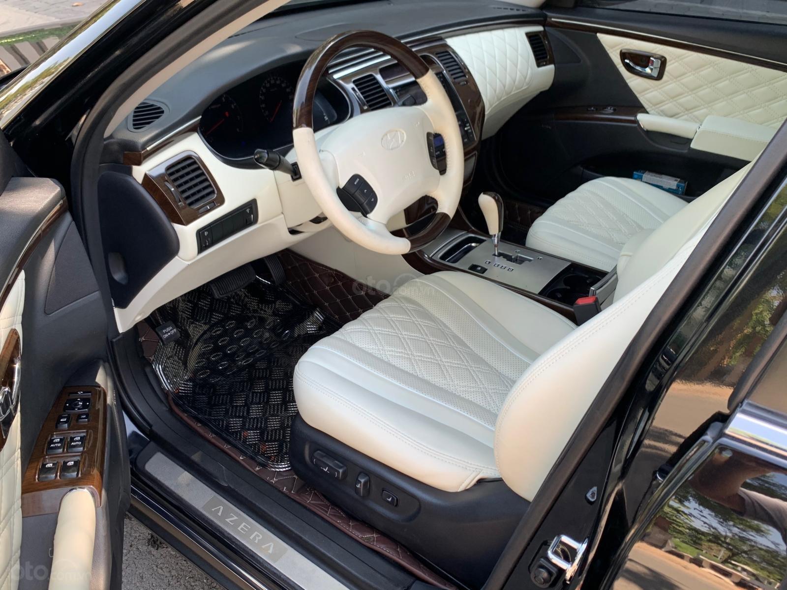 Hyundai Azera tự động nhập khẩu màu đen (9)