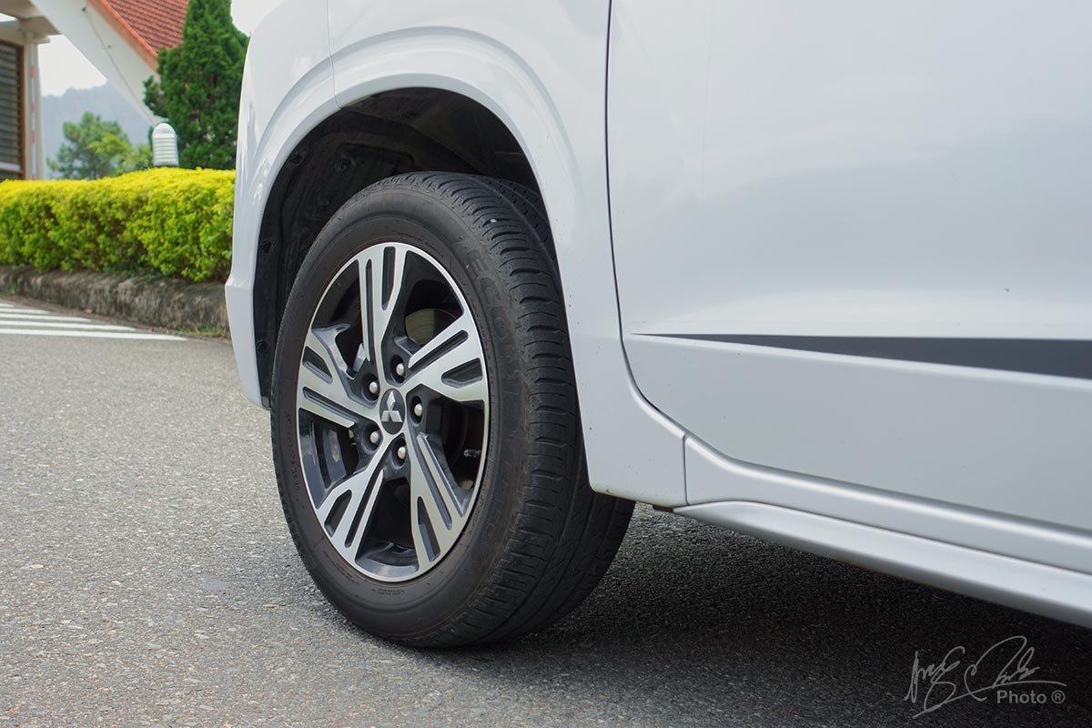 Đánh giá xe Mitsubishi Xpander 2020: La-zăng hợp kim 16 inch kiểu mới.