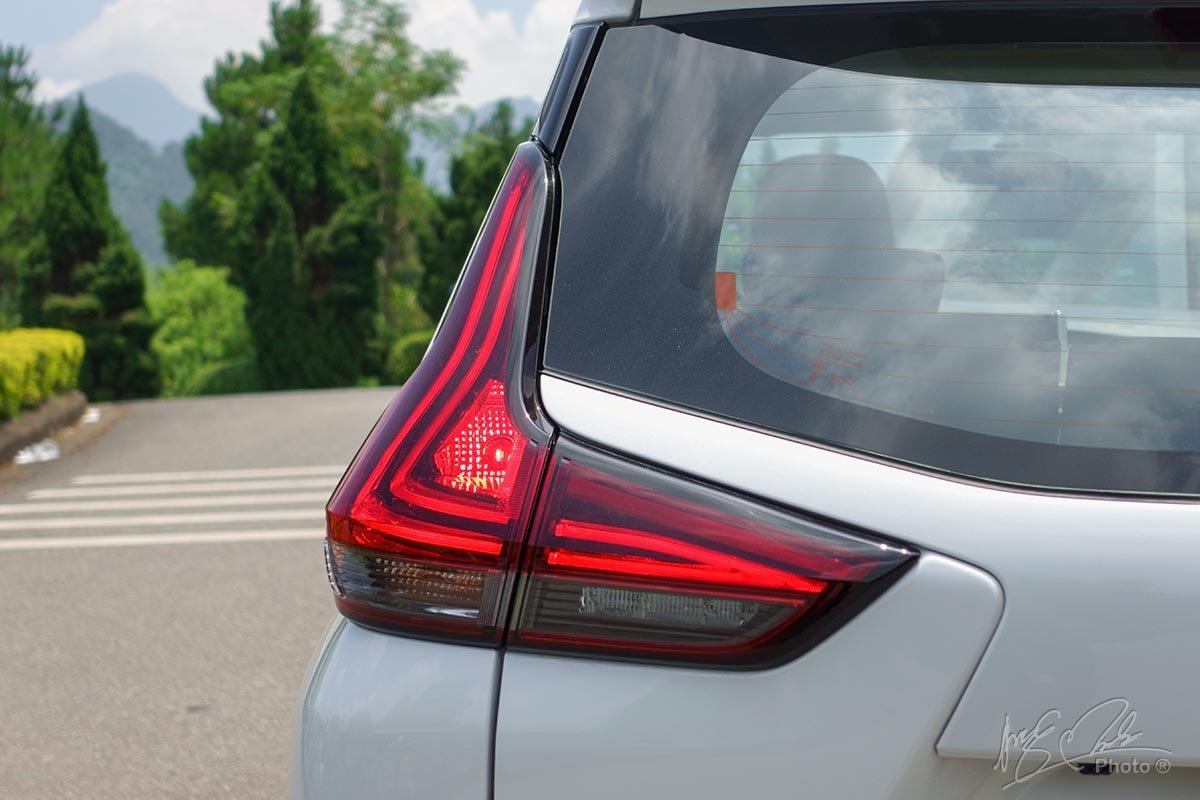 Đánh giá xe Mitsubishi Xpander 2020: Cụm đèn hậu LED hình chữ L.