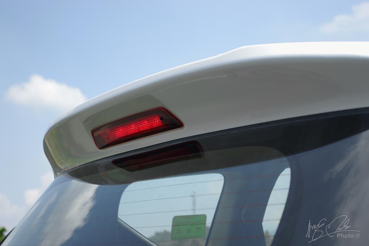 Đánh giá xe Mitsubishi Xpander 2020: Đèn phanh phụ LED trên cao.
