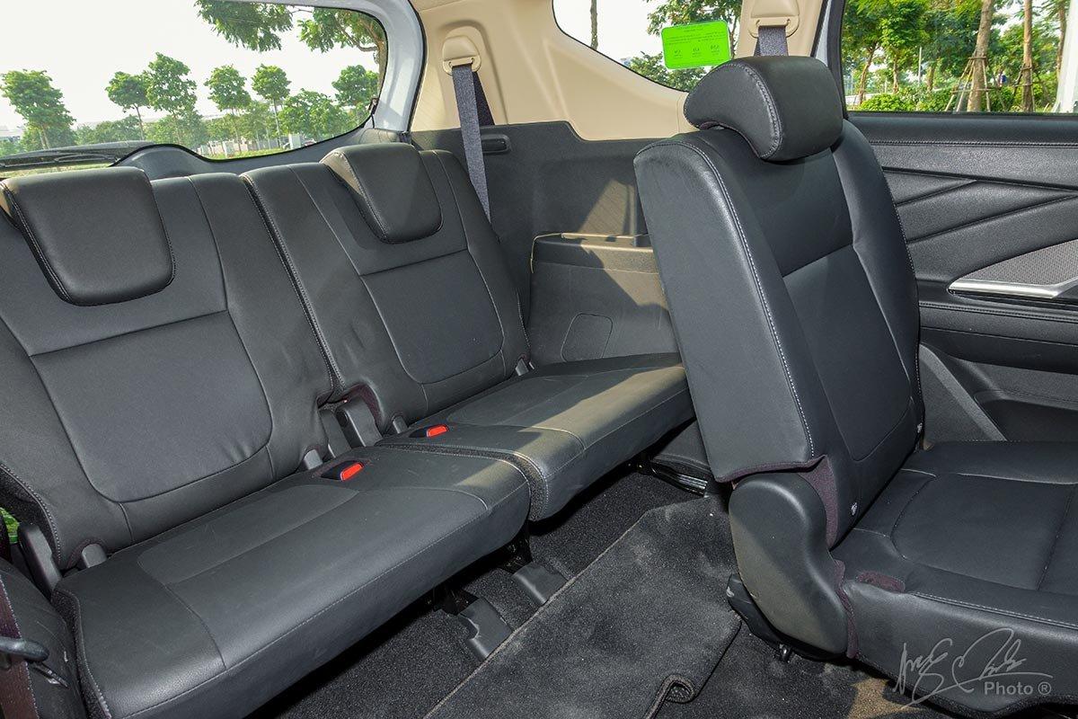 Đánh giá xe Mitsubishi Xpander 2020: Không gian hàng ghế 3 cung cấp sự thoải mái cho người ngồi.