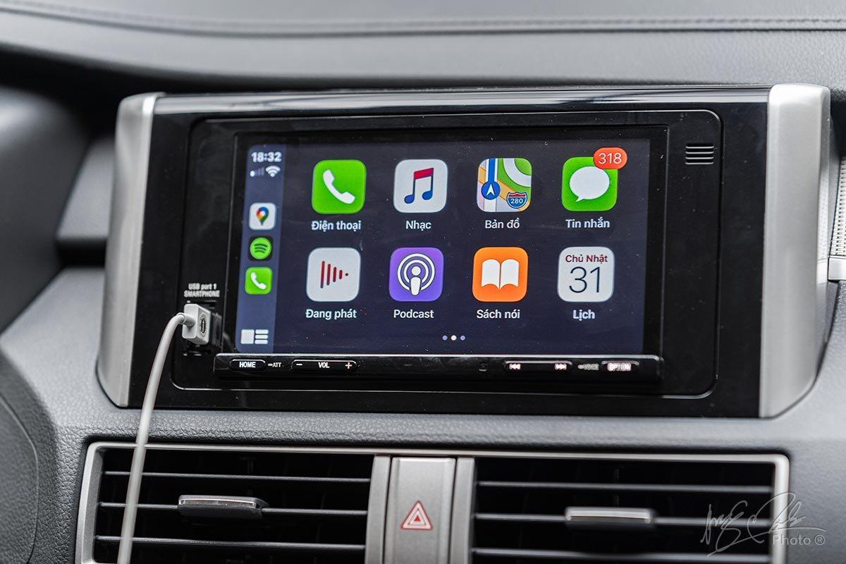Đánh giá xe Mitsubishi Xpander 2020: Màn hình cảm ứng 7 inch tích hợp Android Auto/Apple CarPlay.