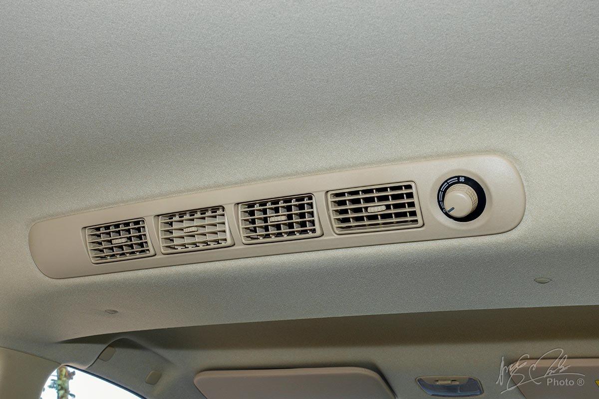 Đánh giá xe Mitsubishi Xpander 2020: Cửa gió cho hàng ghế sau.
