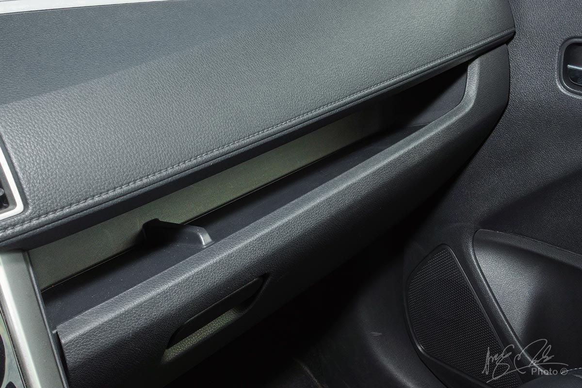 Đánh giá xe Mitsubishi Xpander 2020: hốc chứa đồ.