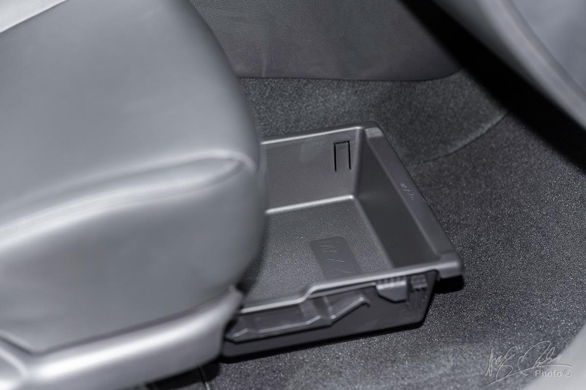 Đánh giá xe Mitsubishi Xpander 2020: hốc chứa đồ 5.